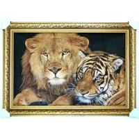Гобеленова картина Дівчина з сім'я левів 105х70см.